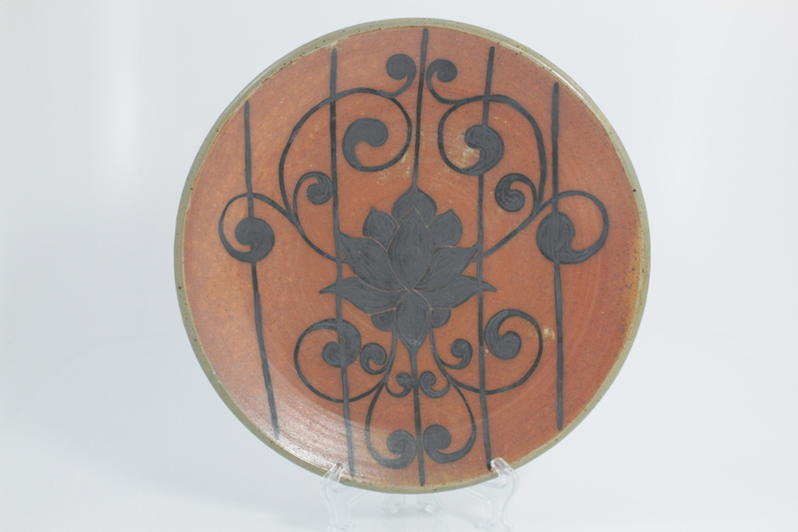 Armstrong_Emily_4_Blossoming-Lotus-Dinner-Plate